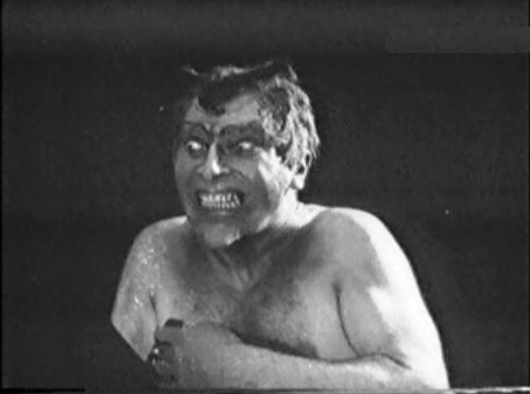 Fotograma de la película Satán triunfante