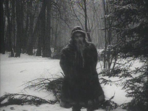 Por fin encontraron nieve para simular Yakutia en Moscú...