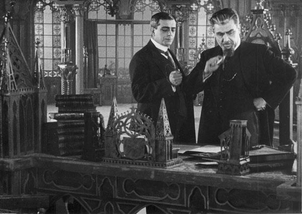 La campana de alarma (1917).