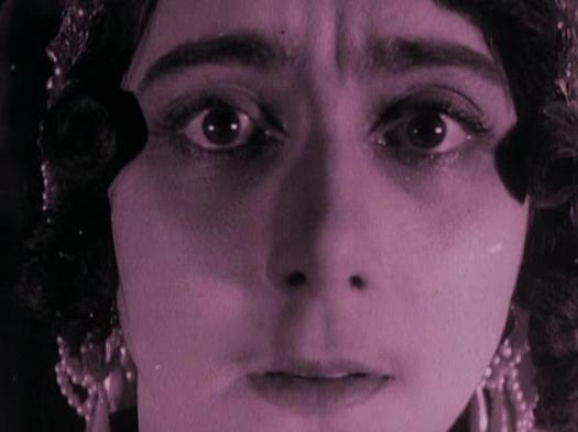 El primer plano de Vera Karalli en Después de la muerte.